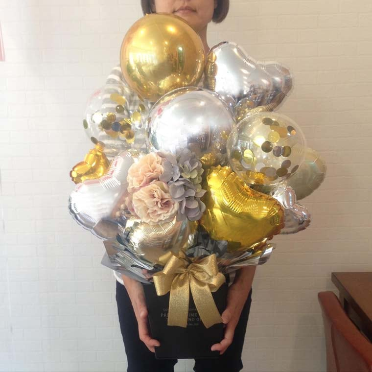 誕生日プレゼント・開店祝い・周年祝いなどに まん丸なバルーンが珍しい置き型バルーンギフト サイズ