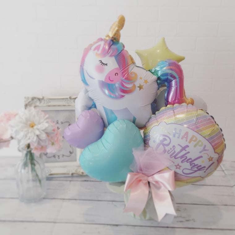 誕生日プレゼントやバースデーの飾りつけ☆ユニコーンとパステルカラーのバルーンが可愛い置き型バルーンギフト