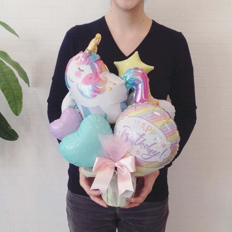 誕生日プレゼンやバースデーの飾りつけに☆ユニコーンとパステルカラーのバルーンが可愛い置き型バルーンギフト サイズ