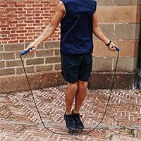 1Kg縄跳びロープで二の腕がムキムキ!