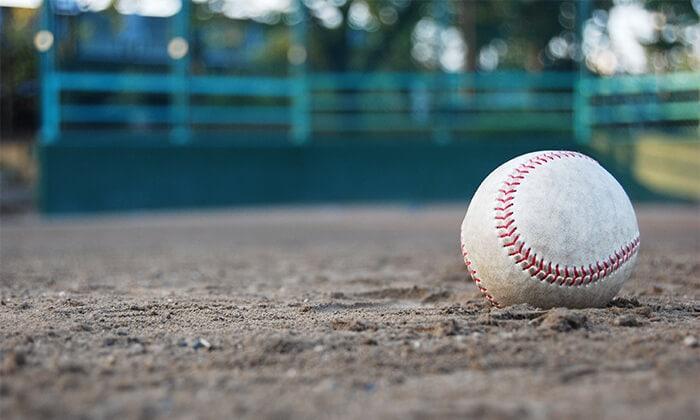 重いボールで野手の筋力強化