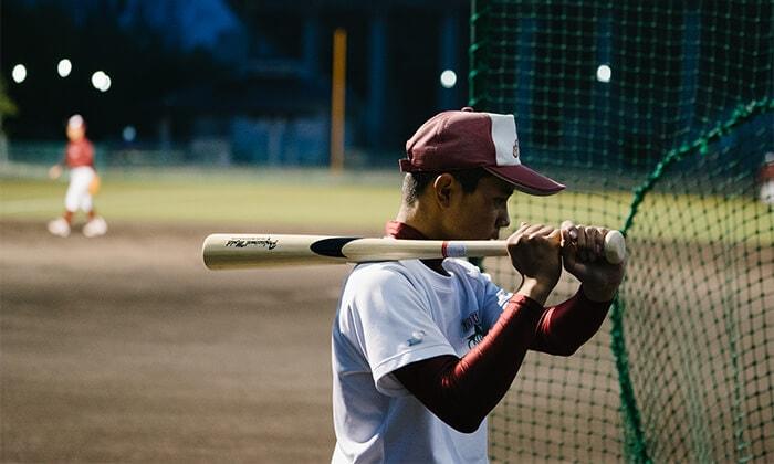 強打のために押し手意識の竹バット