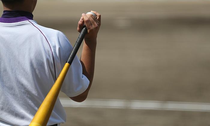 重いサンドボールと竹バットで打撃力アップ