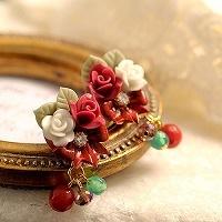 赤い薔薇とリボンのピアスorイヤリング