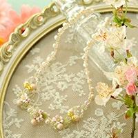 桜草とパールの春色ネックレス