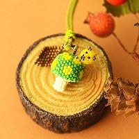 ちびブタ収穫祭〜水玉きのこ〜(緑×黄)