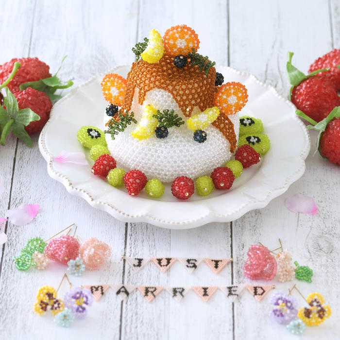 ビーズで編みぐるみ〜ウエディングケーキ〜