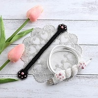 ビーズ刺繍のケーブルホルダー〜猫の手〜