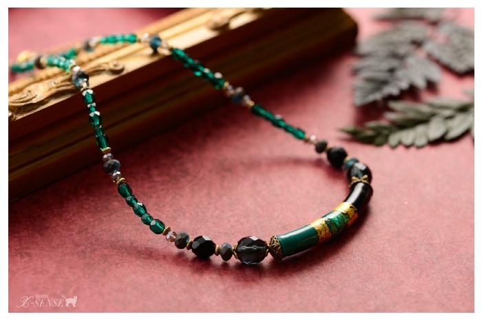 ヴェネチアンのエメラルド色ネックレス