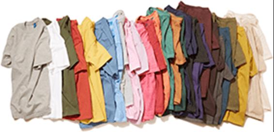 色とりどりのTシャツ画像