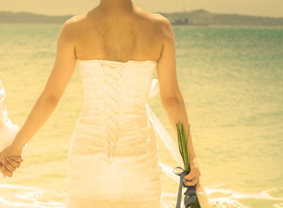 マーメイドドレスにはガードル