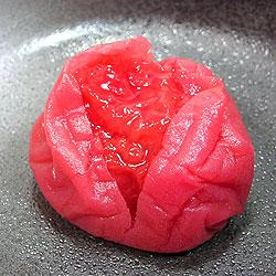 薄皮の中にはたっぷり詰まった肉厚の果肉!