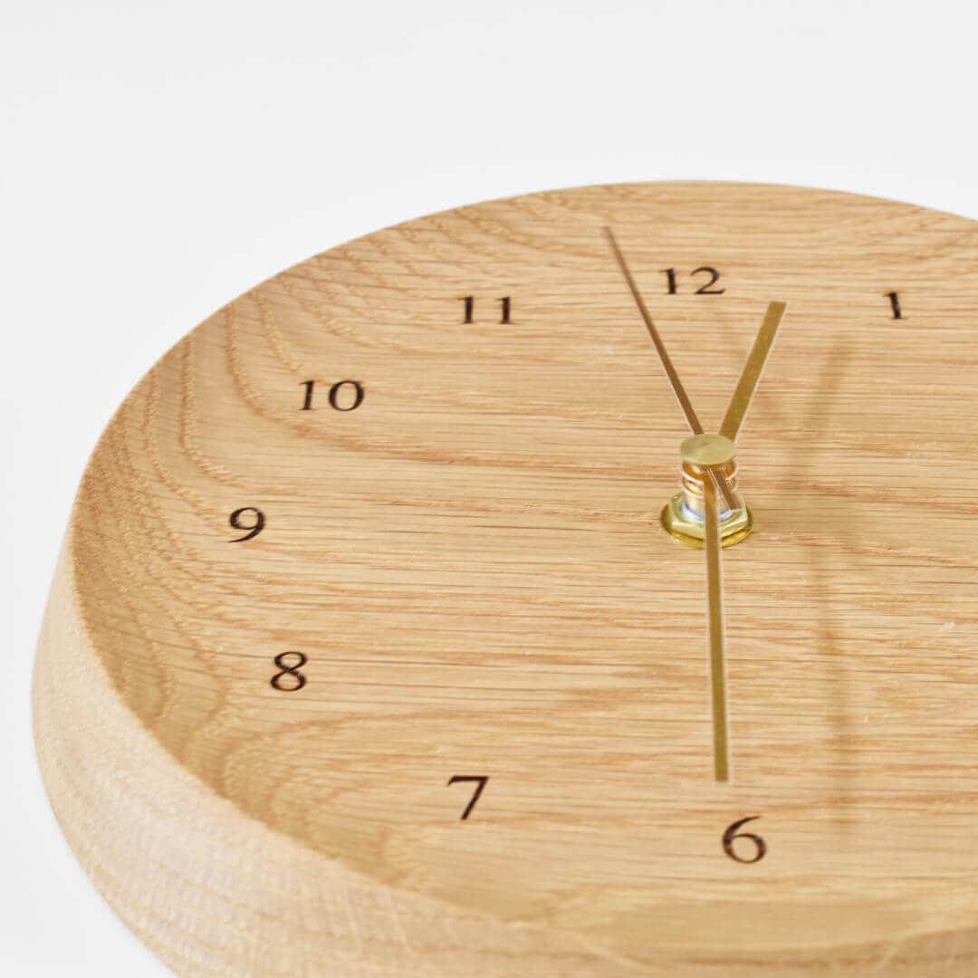 オーク材の壁掛け時計