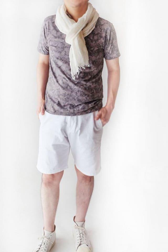 ポロシャツに似合うストール メンズ 白