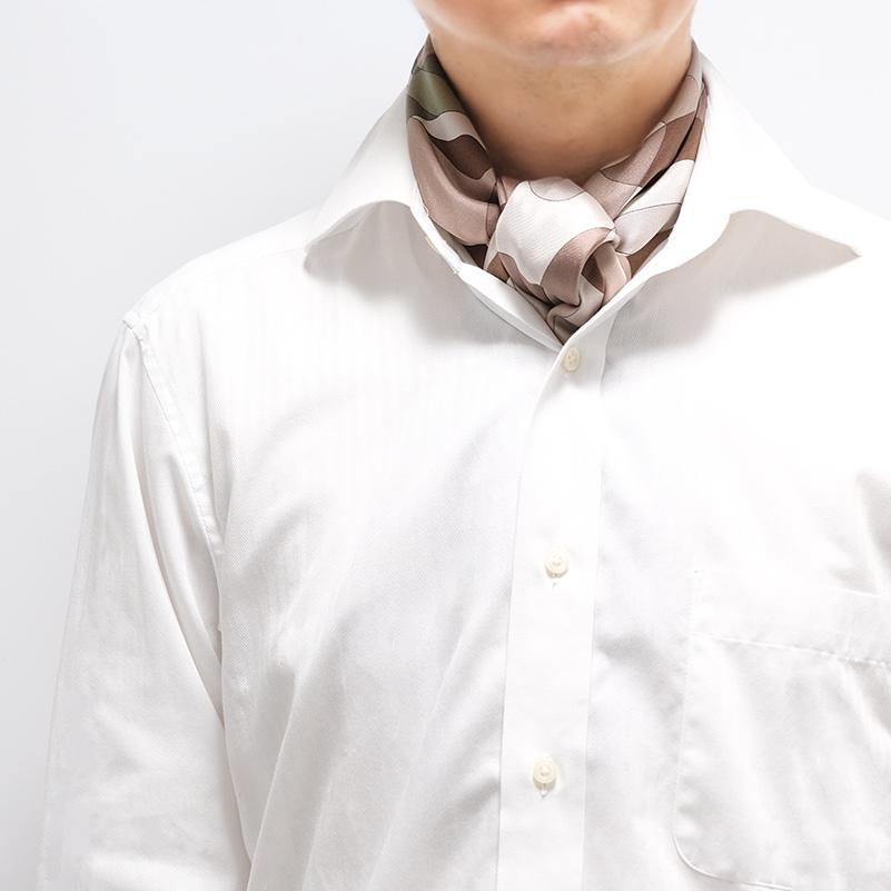 カーキ幾何学スカーフ