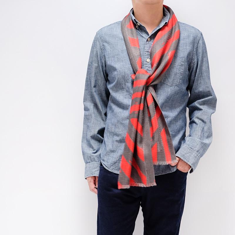 イタリア製 メンズストール シャツとストールのコーデ ストリィシア・レッド(赤×灰色)1