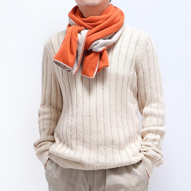 人気のバイカラーマフラー オレンジ メンズコーデ 秋冬