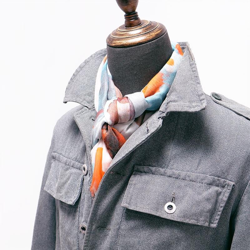 メンズストールとデニムジャケットの秋コーデ