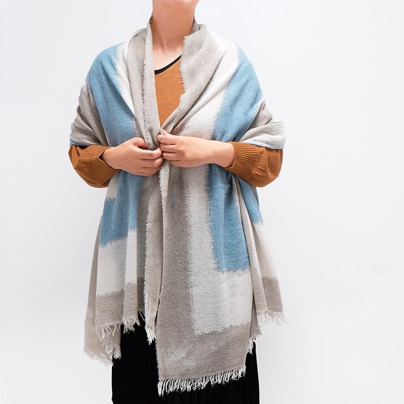 イタリア製 大判ストール 羽織って使うストール 女性におすすめデザイン スカフォーレ・カーキスカイブルー4