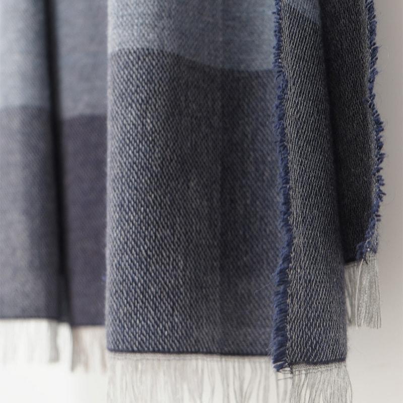 イタリア製 大判ストール ふんわり柔らか 男性女性兼用デザイン ブロッコ・ブルー(青色系)9