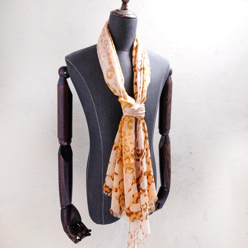 メンズストールのネクタイ巻き メンズ レオパード