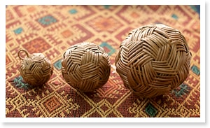 アタ製ガムランボール