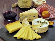 ボジョレー・ヌーヴォーとチーズのセット