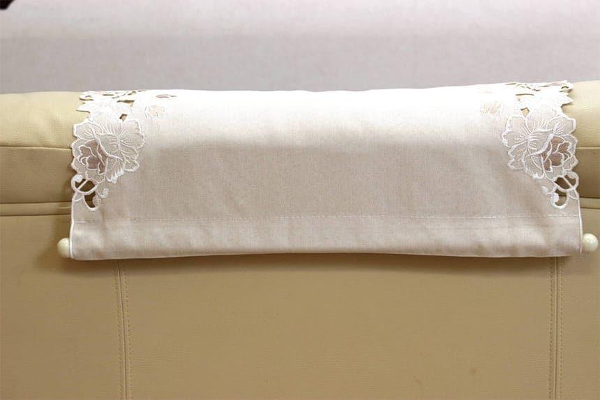 カットワーク刺繍ソファカバー、一人掛の背面