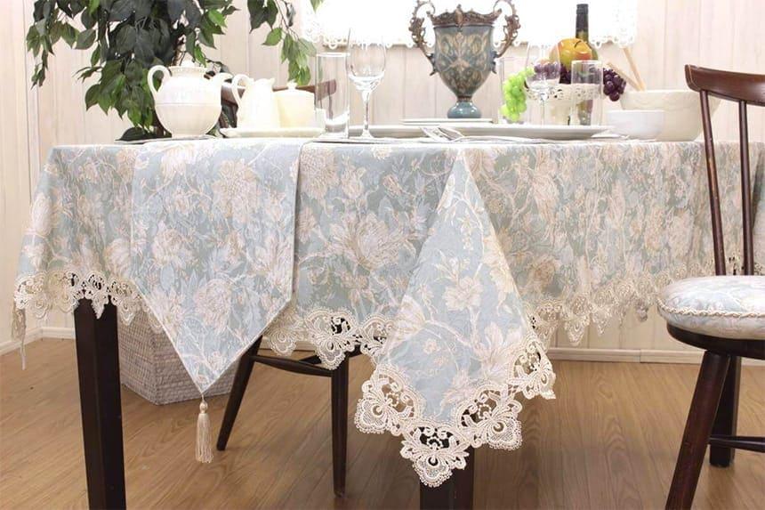 お揃いのアイテムとともにテーブルをトータルで飾れます。
