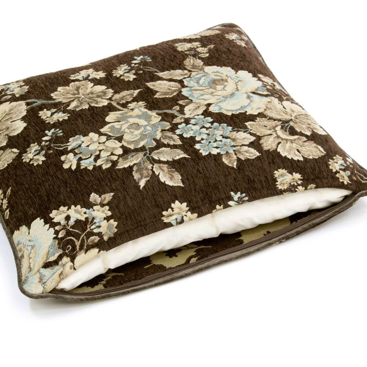 マチルダシリーズの座布団カバーは広幅ファスナー付で中材の出し入れが楽です。