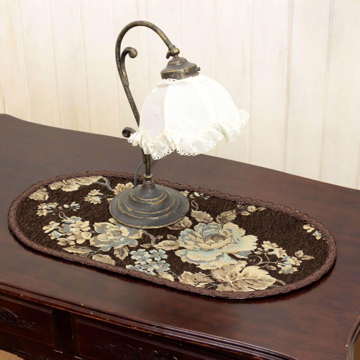 シェニール織 マチルダ シリーズ のテーブルセンターです。