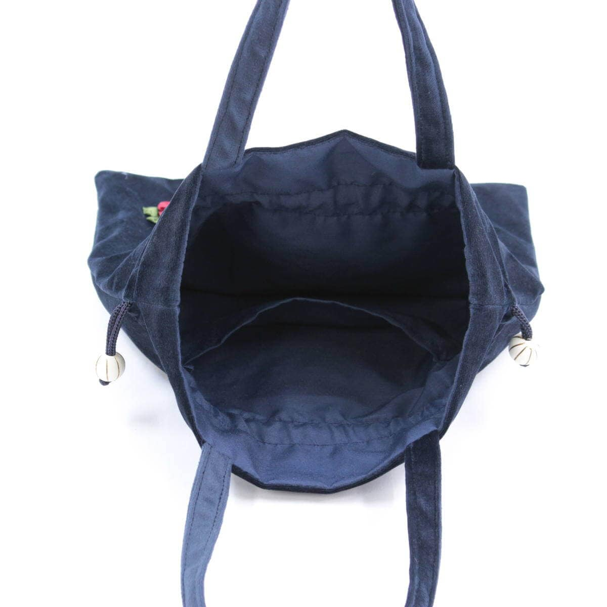 リボン刺しゅう シーナ シリーズ 巾着バッグの内側には平面ポケットがあります。