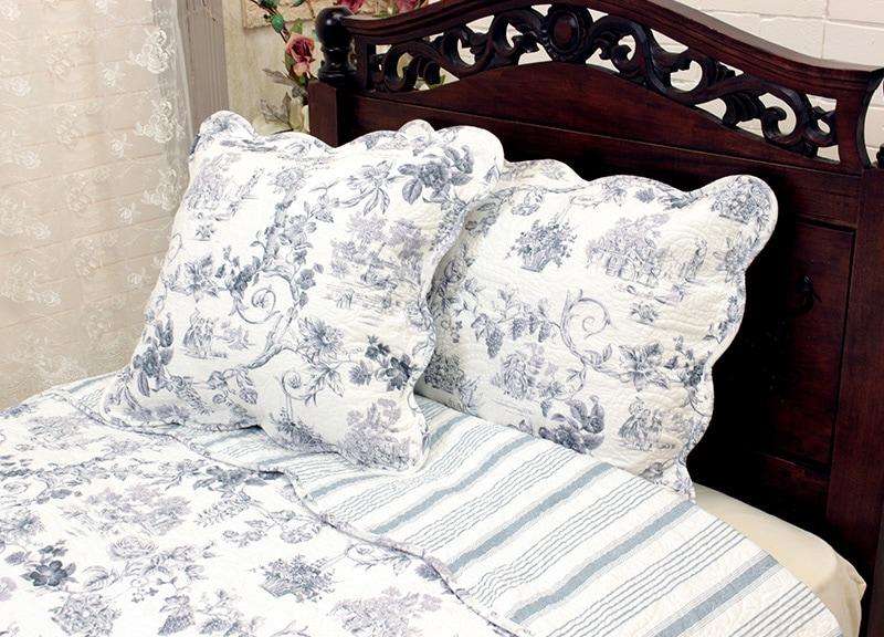 テーブルに蝋燭