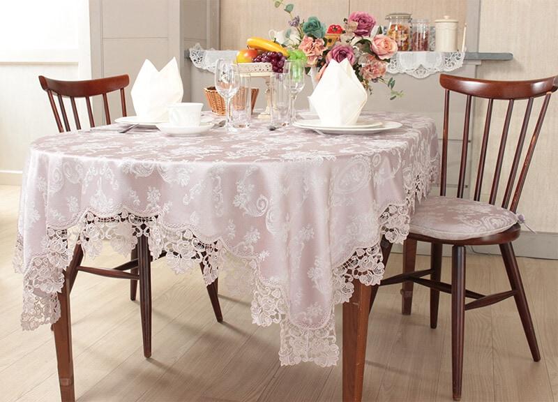 撥水加工を施したジャカード織りのテーブルリネン(ランチョンマットやテーブルクロスにエプロンなど)