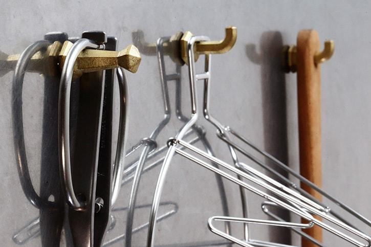 真鍮鋳肌のマグネットフック(フタガミ/FUTAGAMI)