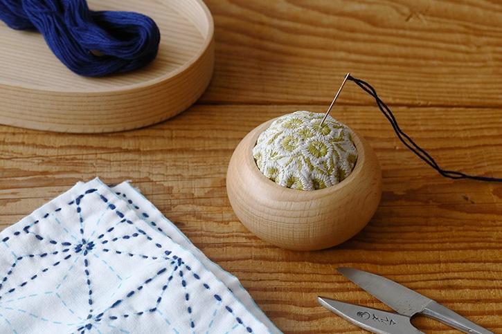 刺繍ピンクッション(倉敷意匠×点と線製作所)