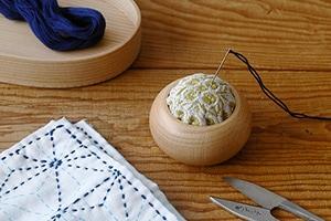 刺繍ピンクッション(倉敷意匠×点と線模様製作所)