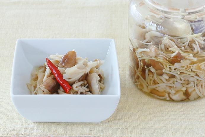 石澤清美さんに教わる「キノコの酢醤油漬け」