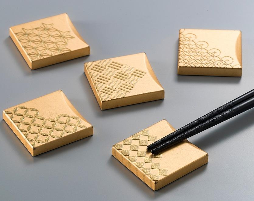 箔一:福招き箸置き 五つ小紋 [A181-10007]