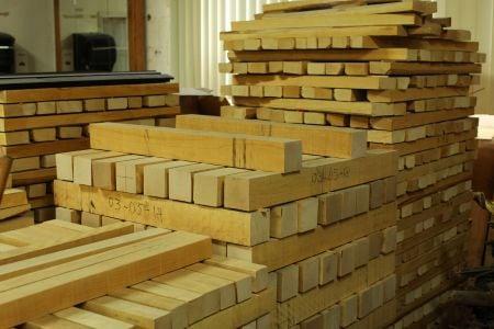 シャフト原材料となる木材