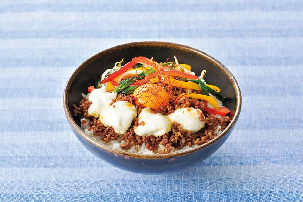 モッツァレラと挽肉のビビンバ丼