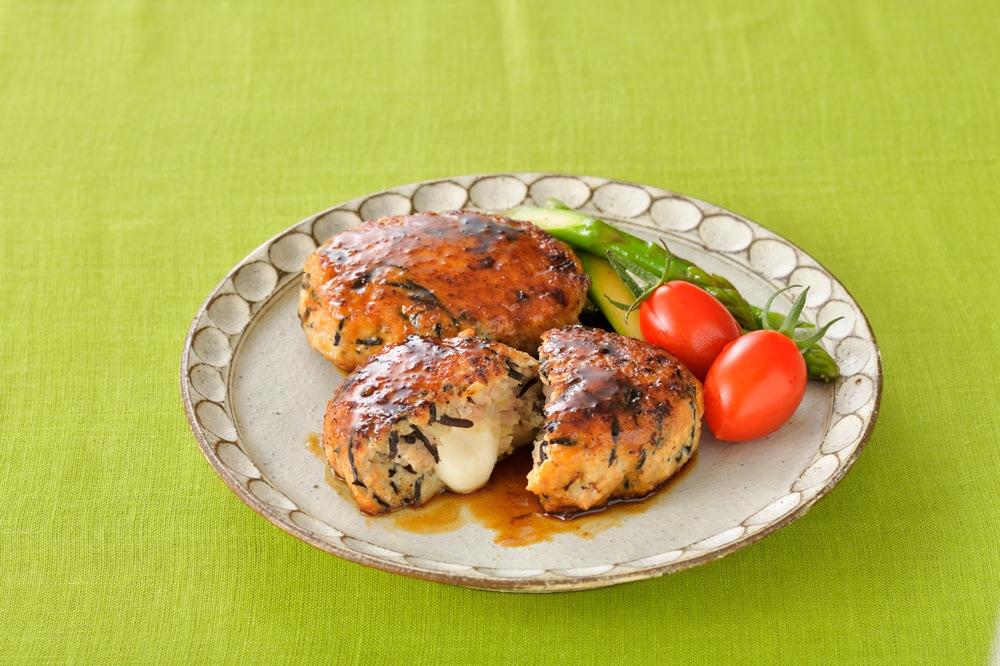 モッツァレラ in 鶏つくねバーグ(照り焼き味)