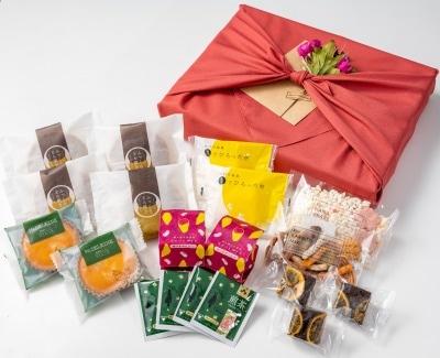 親・祖父母プレゼントに人気の和菓子&洋菓子 風呂敷包み 詰め合わせ 8種(大)/OyaimaスイーツセレクションA