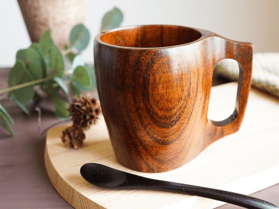 本格派の一本木くりぬきマグカップ