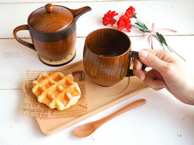 【母の日】木の食器ギフト 急須&トレイ付ティータイム5点セット使用例