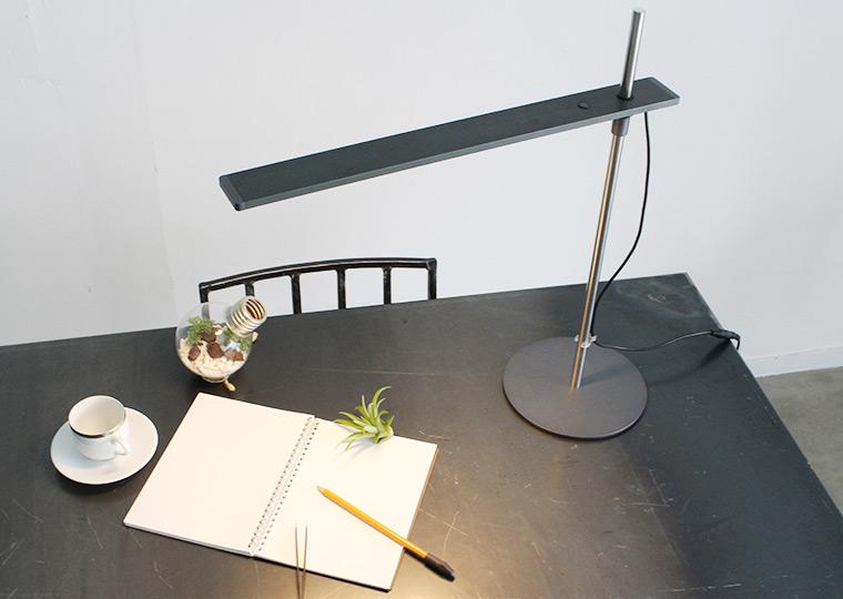 LED ステーロ デスクランプ
