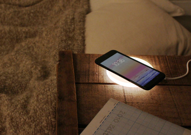 Spira Wireless charger light