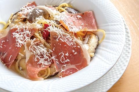 玉取茸のペペロンチーノ