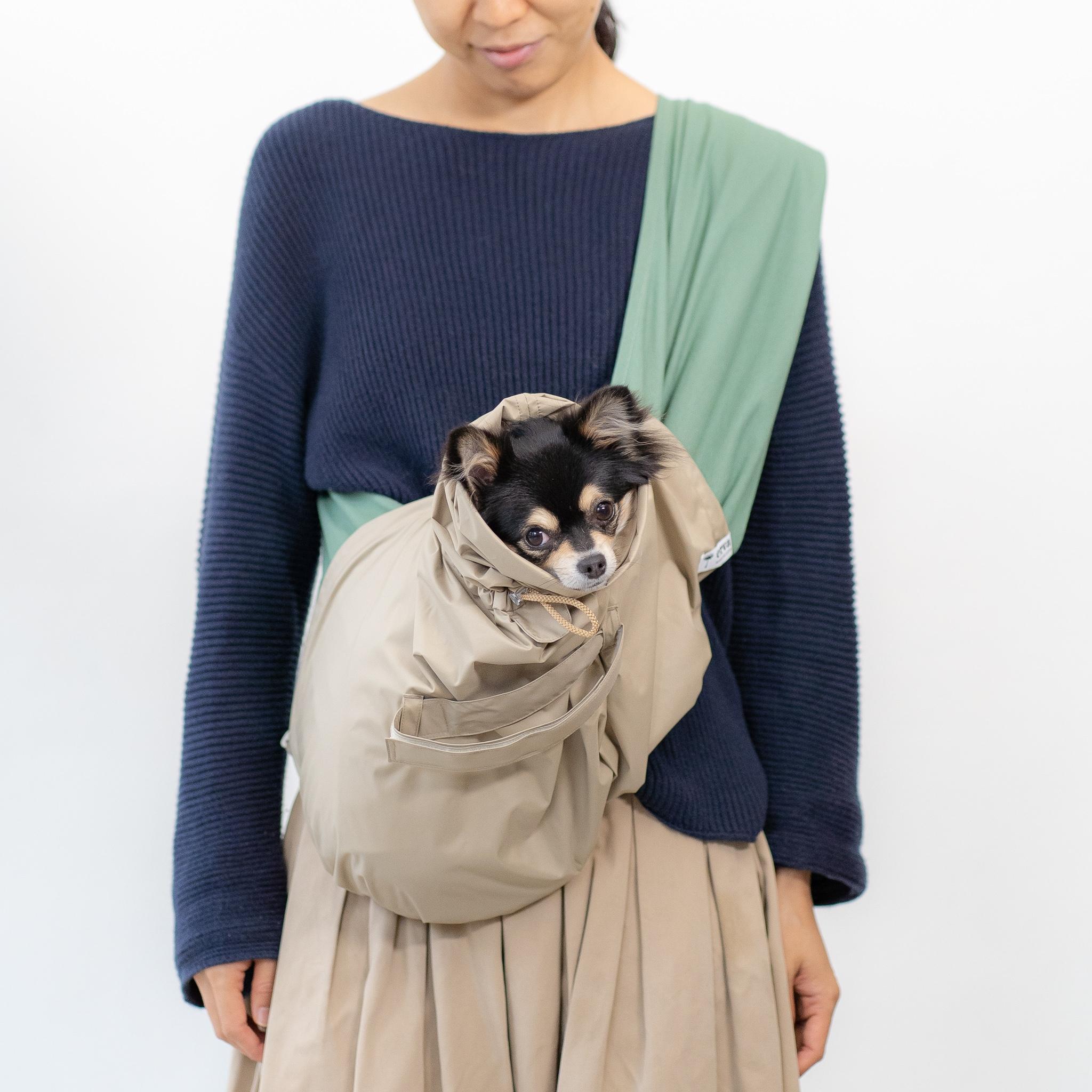 犬用レインカバーのサイズ比較-ドッグスリングのサイズM