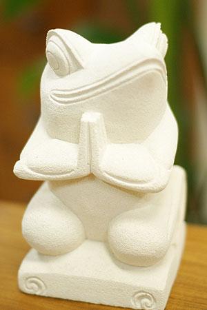 バリ 石彫り 置物 カエル